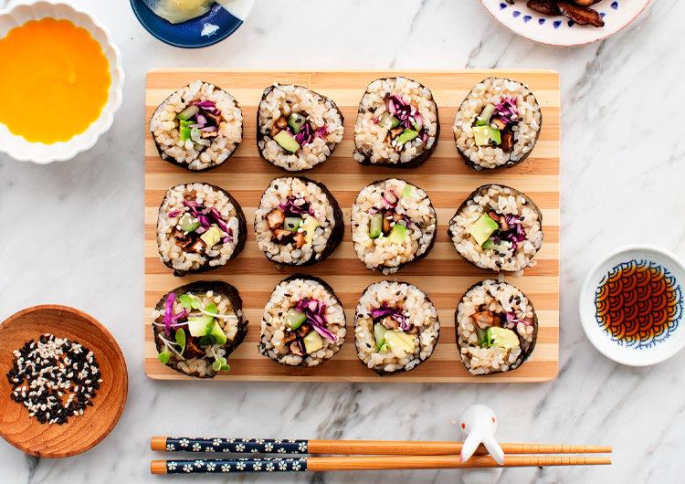 Вариант сервировки суши маки