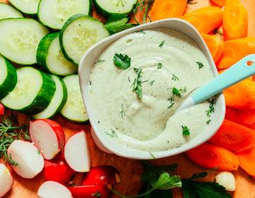 Легкая заправка для салатов вегетарианская
