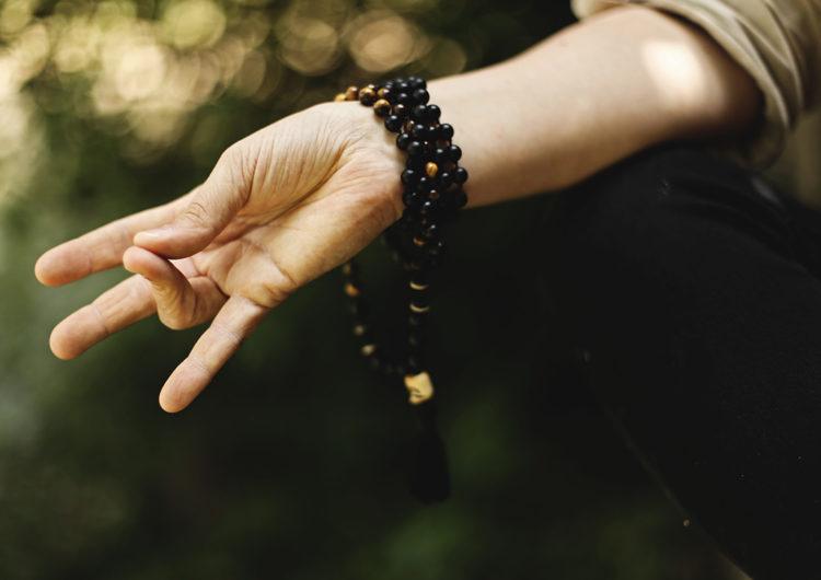 Мудры для балансировки чакр